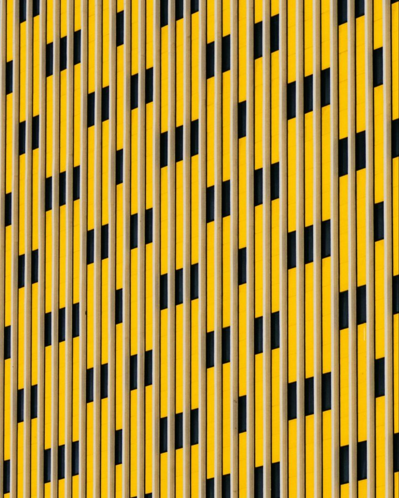 black and yellow abstract image