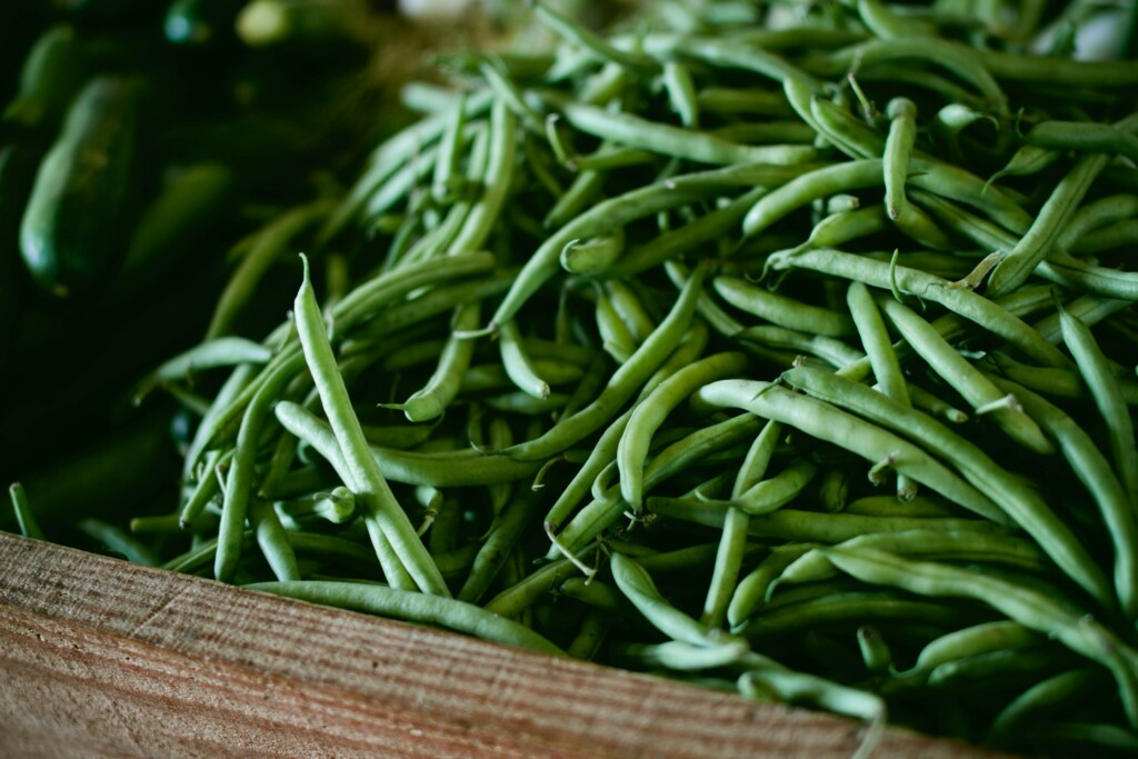green beans in store basket