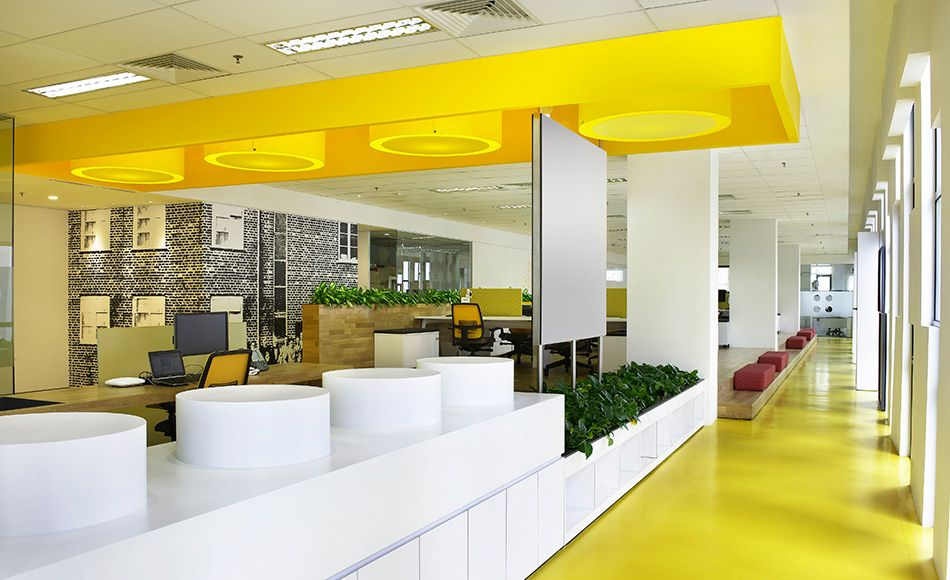 yellow color in work office, combination of yellow and white for work office