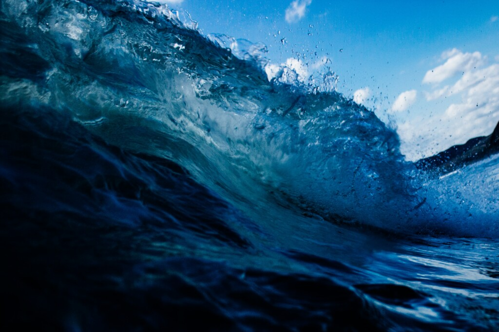 a picture of the indigo sea waves that is important in indian culture.